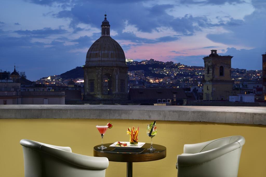 Отели Неаполя в районе вокзала: UNAHOTELS Napoli