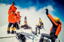 В Казбеги можно арендовать альпинистское снаряжение