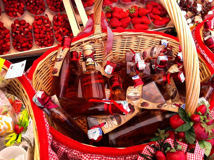 Фестиваль клубники Неми: что купить из сувениров