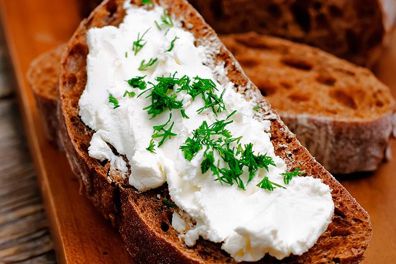 Рецепт творожной пасты с зеленью для бутербродов / тостов