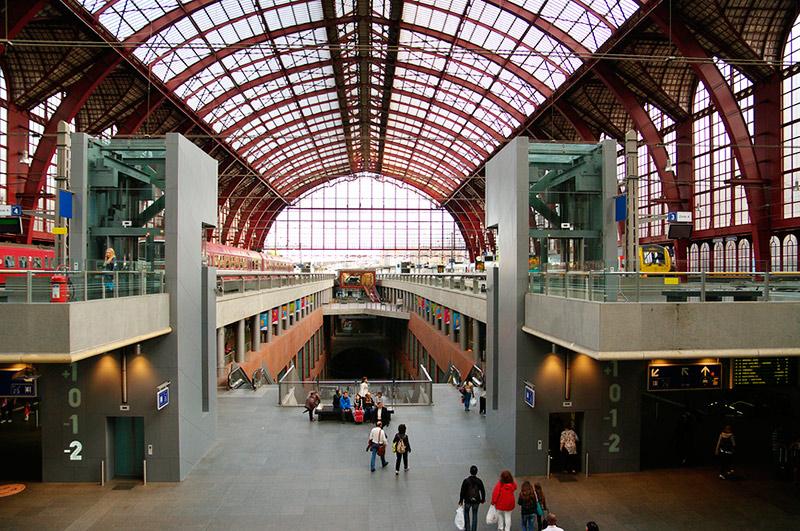 Едем в Антверпен из Брюсселя: антверпенский вокзал