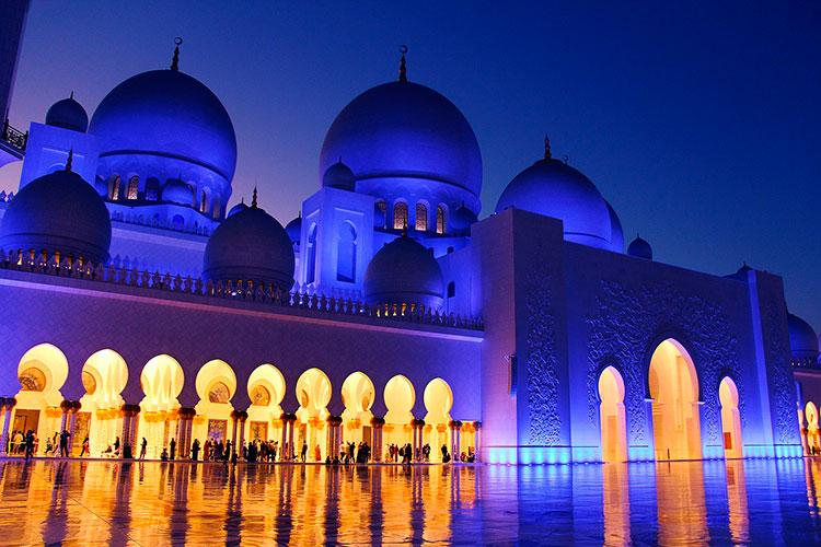 Куда съездить из Дубая в мае: Абу-Даби