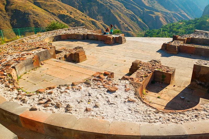 Из Еревана в Гарни: храмовый комплекс