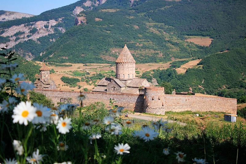 Экскурсии из Еревана на один день: монастырь Татев