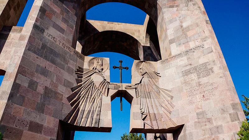 Однодневные экскурсии из Еревана в Эчмиадзин