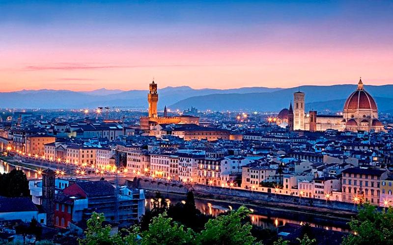 Площадь Микеланджело: панорама Флоренции