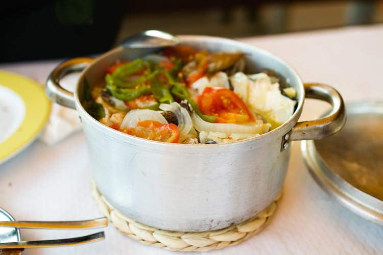Густой суп калдейрада (Лиссабона, Португалия)