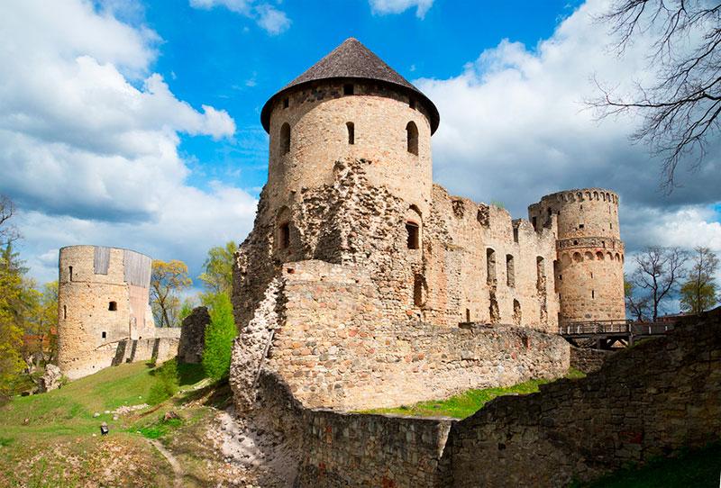 Однодневные экскурсии из Риги: замок Венден