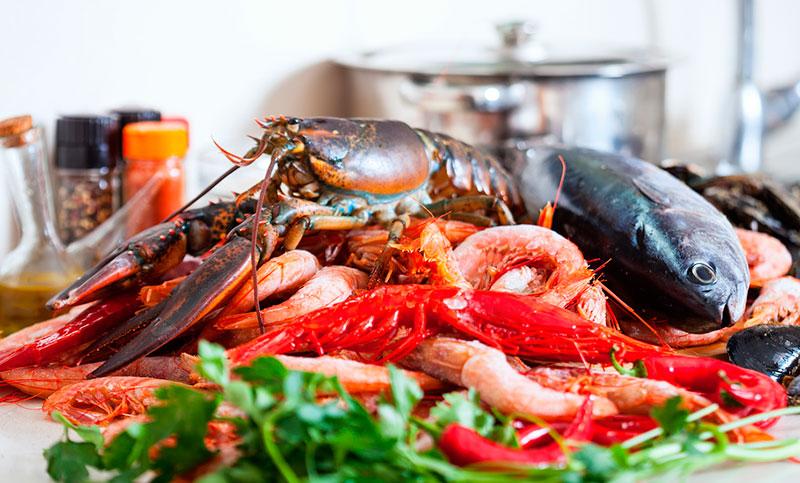 Отдых весной в Сочи: фрукты, рыба, морепродукты