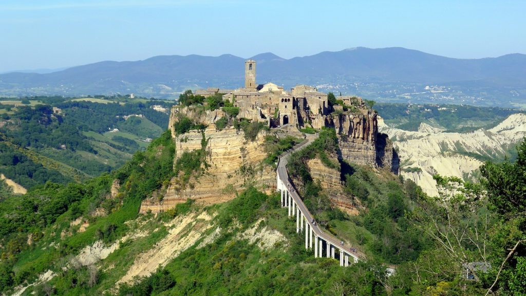 Куда можно съездить из Рима: Чивита ди Баньореджио