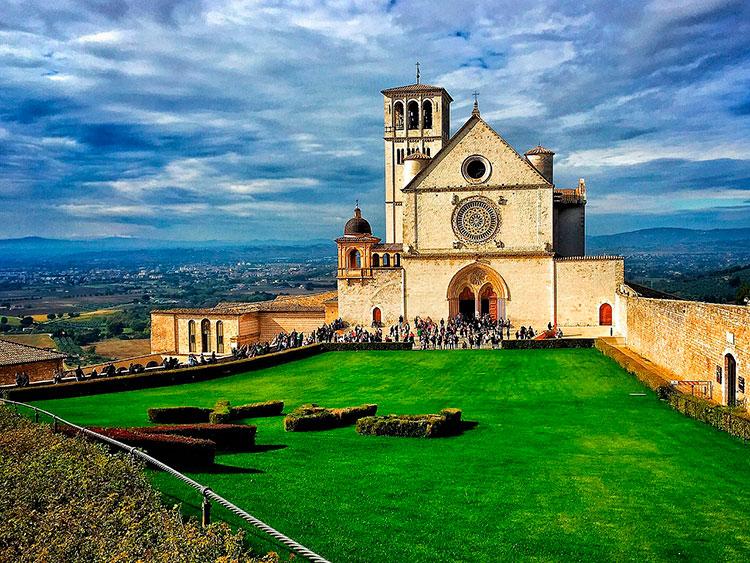 Куда съездить из Рима на пару дней: Ассизи