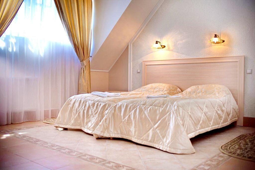 Отель Беккер, Янтарный