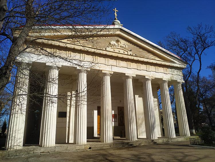 Что посмотреть в Севастополе: храм Петра и Павла