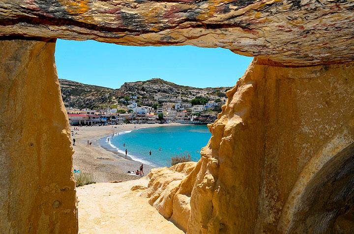 Пещеры и пляж Матала (Крит)