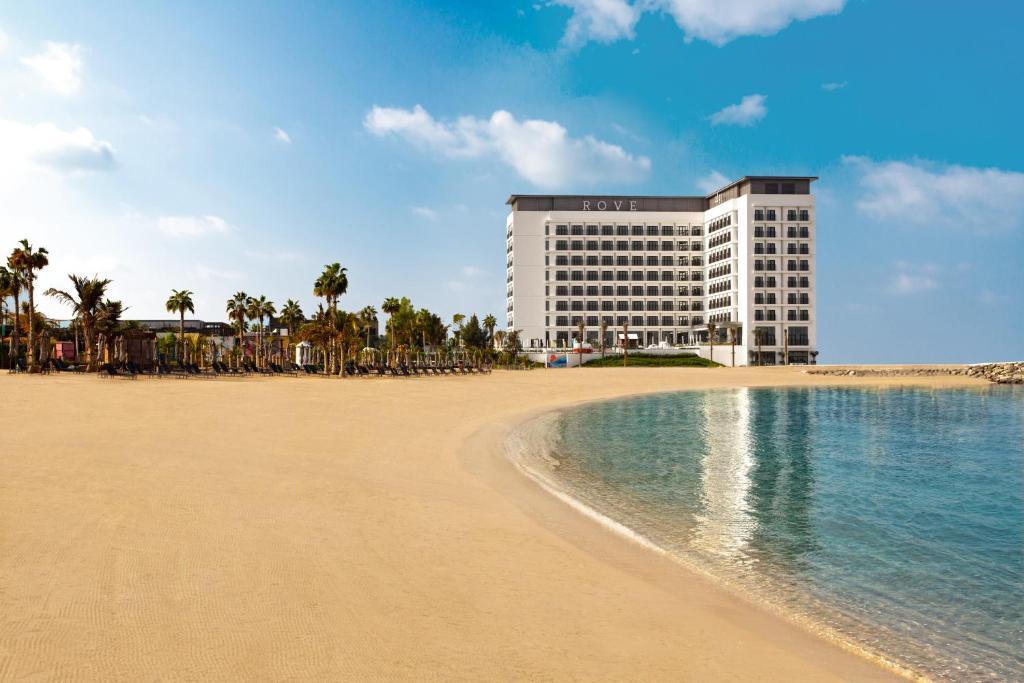 Rove La Mer Beach, Джумейра, Дубай