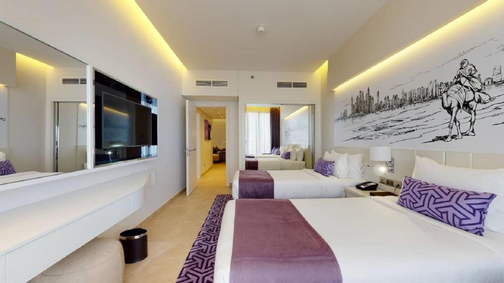 Mercure Dubai Barsha Heights Hotel Suites, Дубай